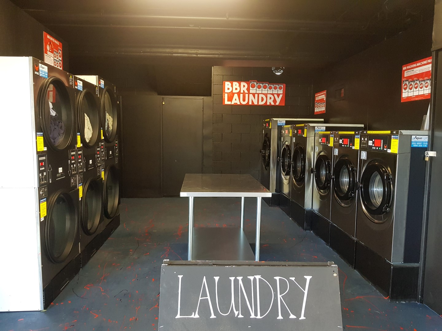 Commercial Laundry - Brisbane Backpackers - Coin Laundry